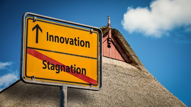De Innovatie van het straatteken tegenover Stagnatie royalty-vrije stock fotografie