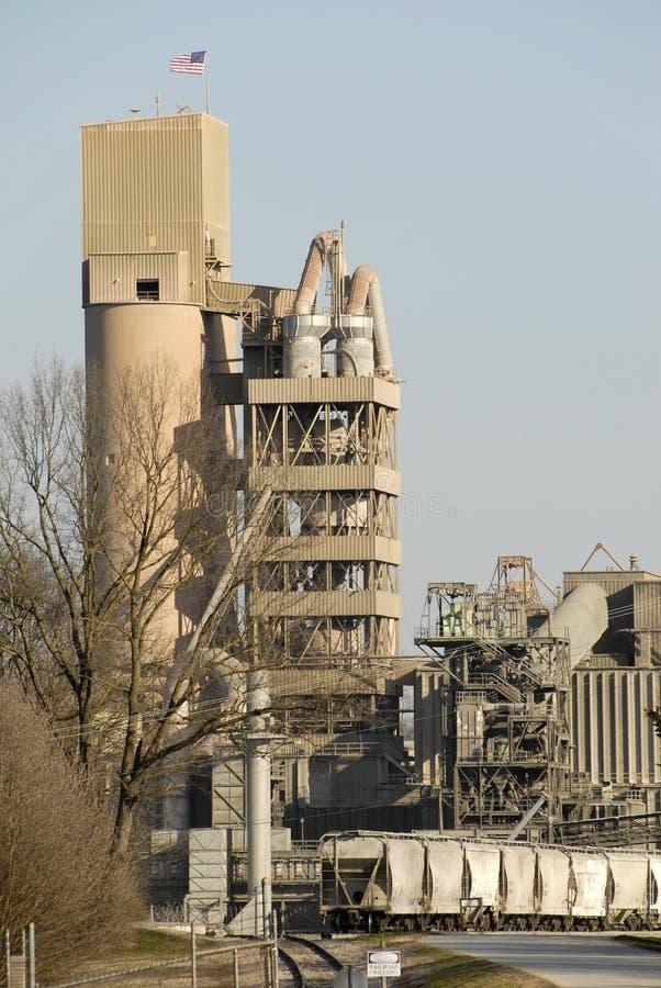 De Installatie van de Verwerking van het cement stock afbeeldingen