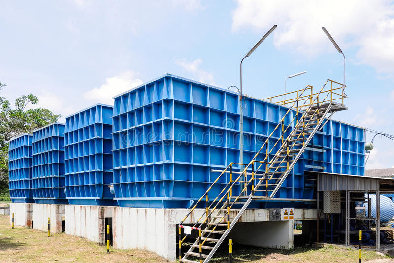 De installatie van de waterfiltratie stock afbeeldingen