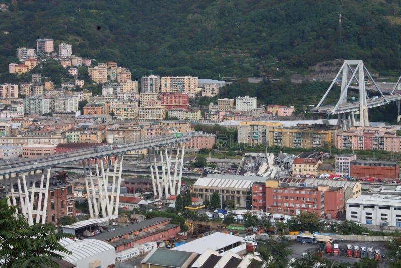 De instorting van de Morandi-brug in Genua stock afbeeldingen