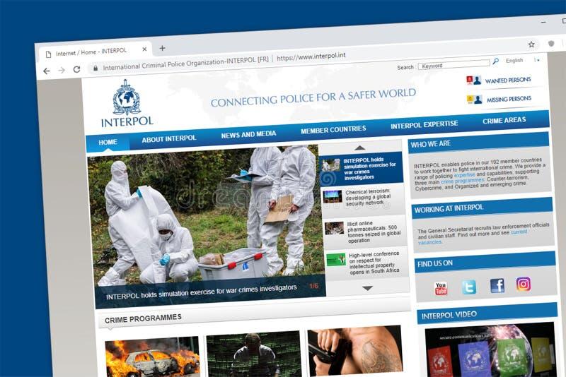 De internationale Gerechtelijke politieorganisatie of homepage van de Interpolwebsite stock foto's
