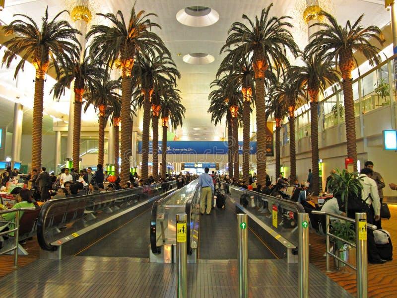 De Internationale Luchthaven van Doubai stock afbeeldingen