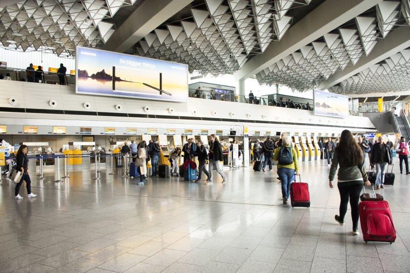 De Internationale Luchthaven van Frankfurt in Frankfurt, Duitsland royalty-vrije stock foto