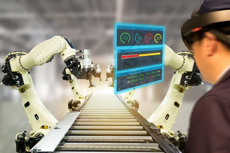 De Iotindustrie 4 industrieel concept 0, engineerblurred het gebruiken van slimme glazen met vergroot gemengd met virtuele werkel royalty-vrije stock afbeeldingen