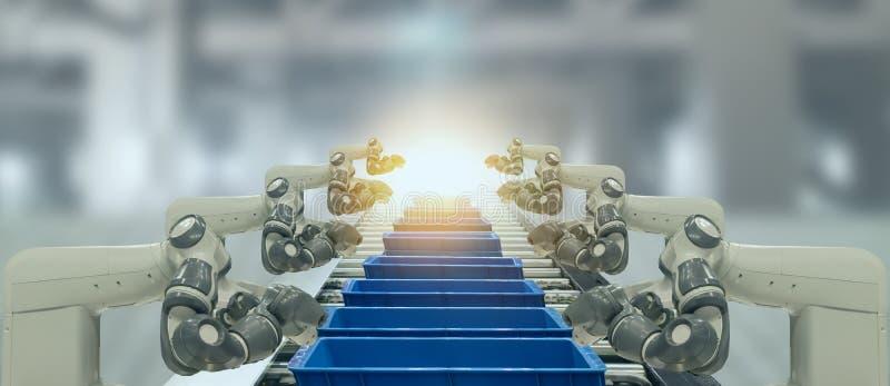 De Iotindustrie 4 0 technologieconcept Slimme fabriek die neigende automatiserings robotachtige wapens met deel op transportband  stock fotografie