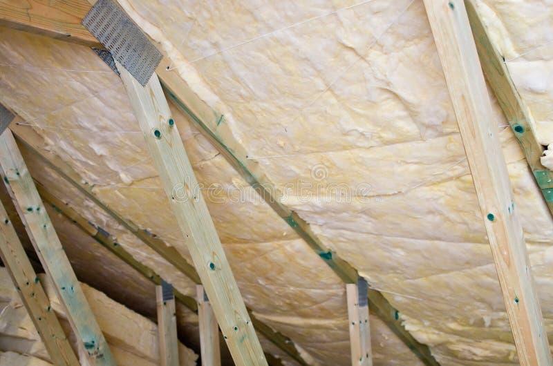 De isolatiedetail van het dak stock afbeelding