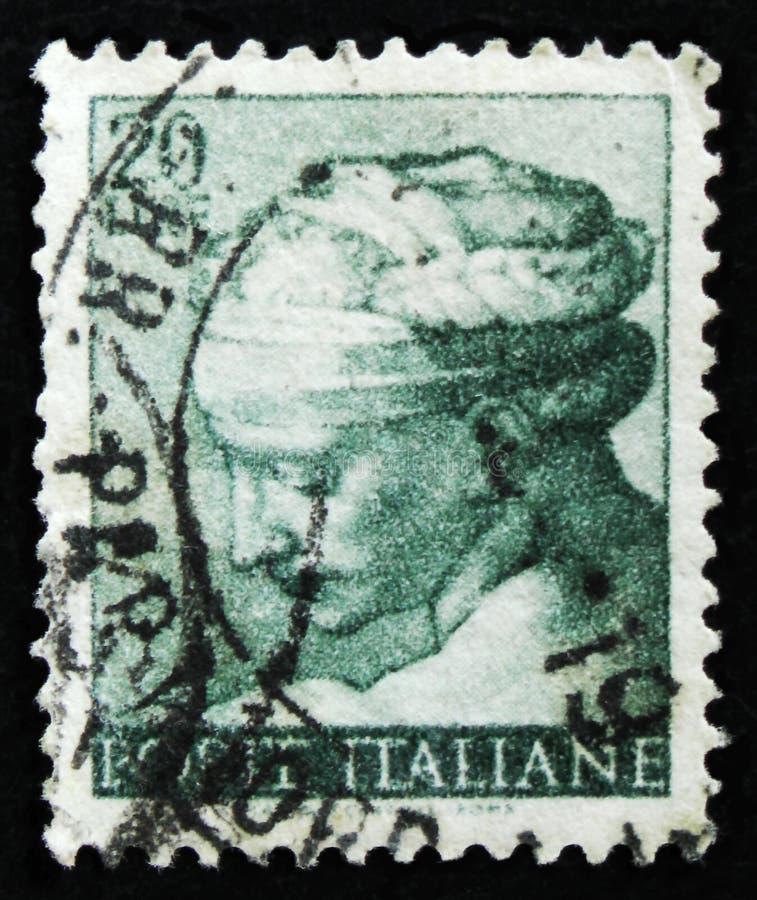 De Italiaanse zegel toont hoofd van de Libische Sibille door Michelangio, Fresko's van Sistine-Kapel, circa 1961 royalty-vrije stock foto's