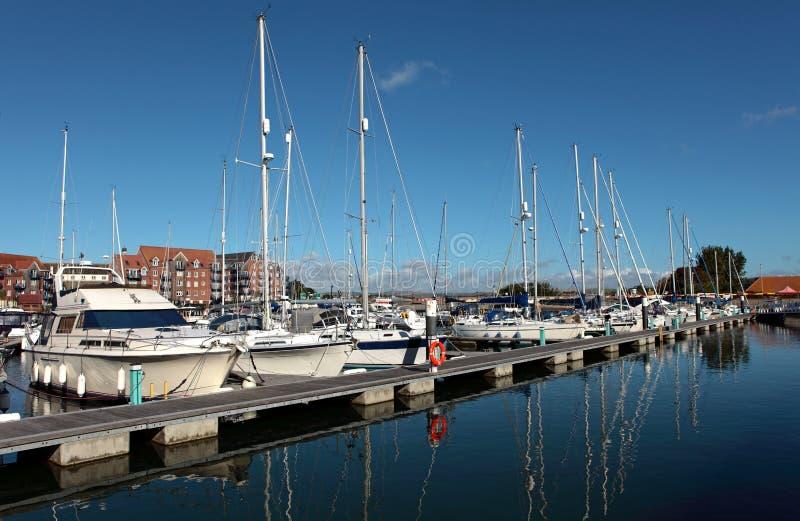 De Jachten van de luxe in Haven Weymouth in Dorset stock afbeeldingen