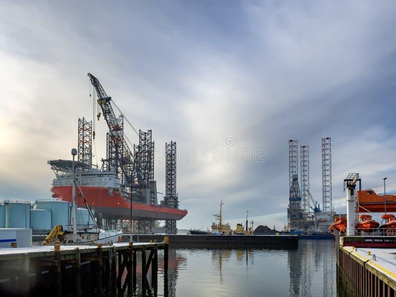De Jack equipamento acima no porto do óleo de Esbjerg, Dinamarca foto de stock royalty free