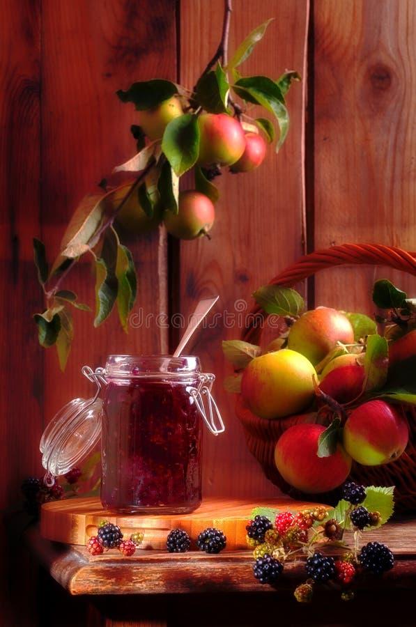 De Jam van de braambes & van de Appel stock afbeeldingen