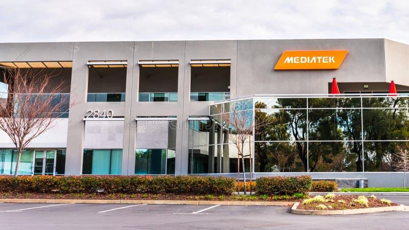 12 de janeiro de 2020 San Jose / CA / USA - sede da MediaTek no Vale do Silício; MediaTek Inc é um semicondutor sem fabetos de Ta fotografia de stock royalty free