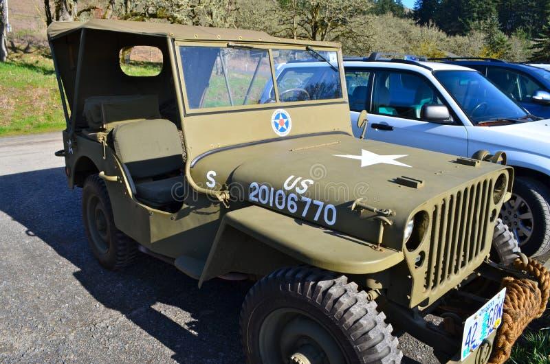 De Jeep van het leger stock afbeeldingen