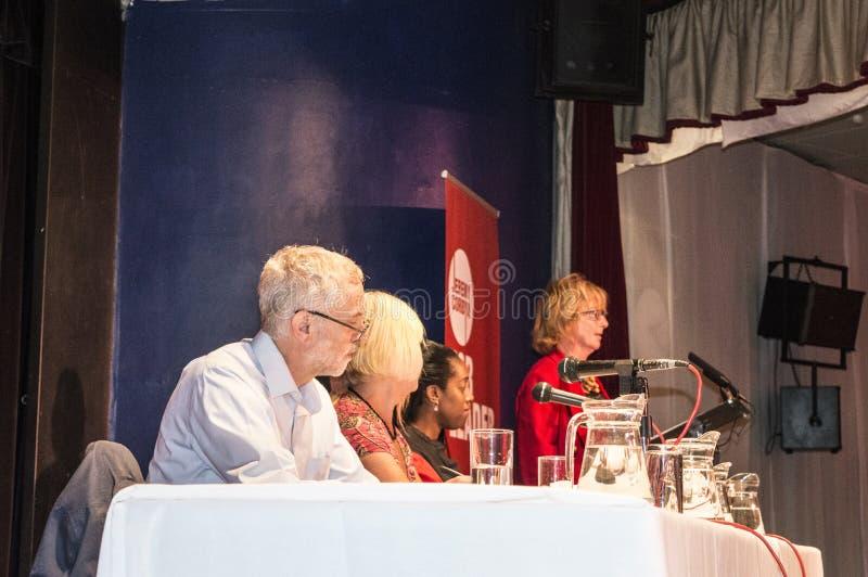 De Jeremy Corbyn líder de trabajo ahora en una reunión en Margate imagen de archivo