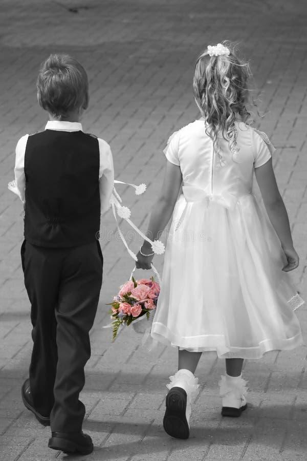 De jonge geitjes van het huwelijk royalty-vrije stock afbeelding