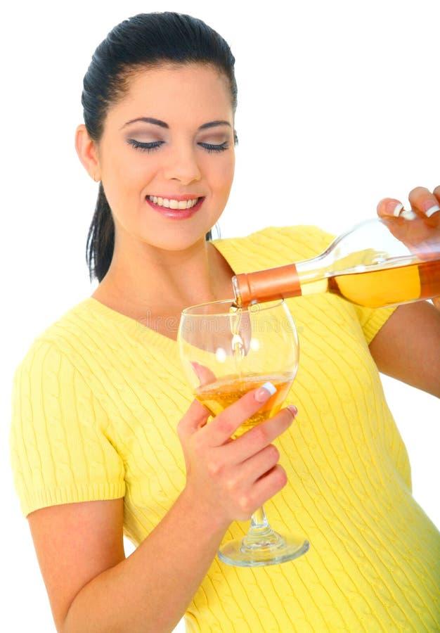De jonge Gietende Wijn van het Meisje stock foto's
