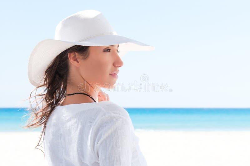 De jonge vrouw van de zomer royalty-vrije stock foto