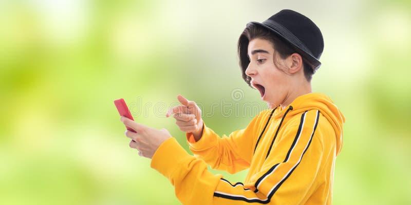 De jongelui vormde mobiel royalty-vrije stock foto