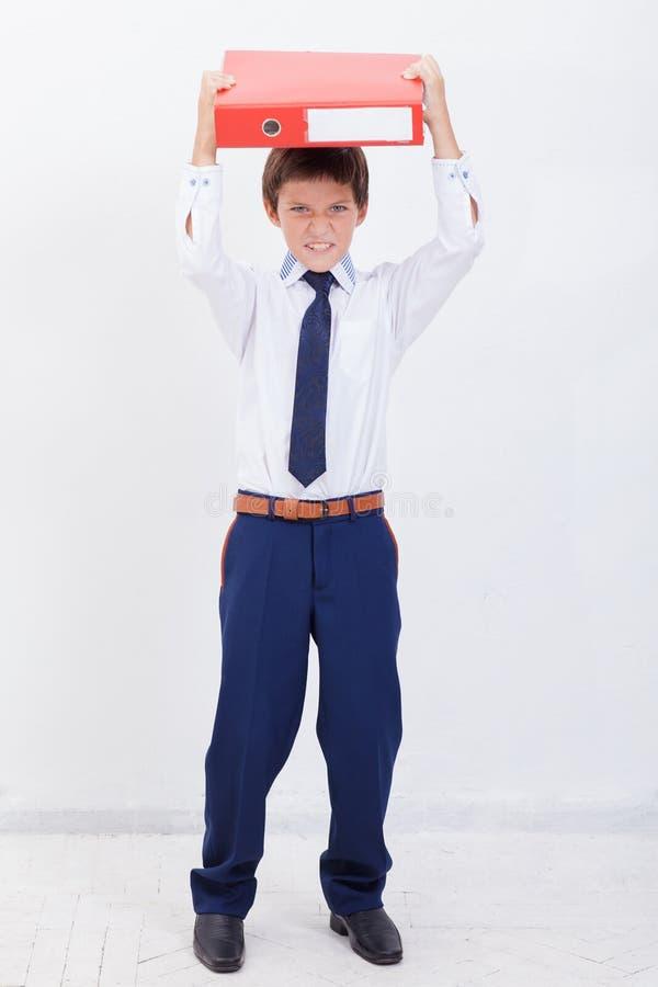 De jongen met omslagen royalty-vrije stock afbeeldingen