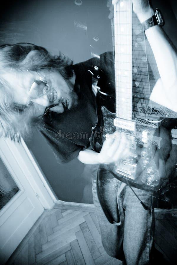 De jongen van de tuimelschakelaar stock fotografie