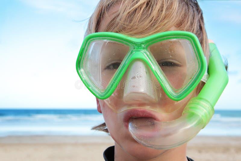 De jongen van het strand. stock afbeelding