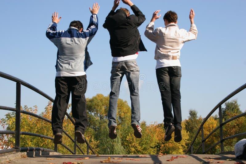 De jongens van de sprong royalty-vrije stock foto