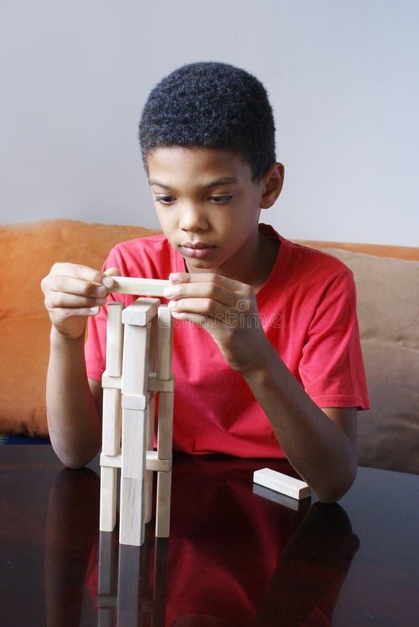 De jongensbouw stock afbeelding