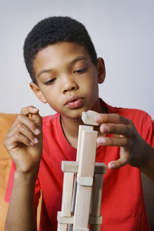De jongensbouw royalty-vrije stock afbeelding