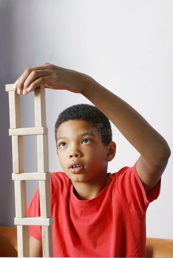 De jongensbouw stock fotografie