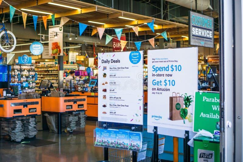 12 de julho de 2019 Santa Clara/CA/EUA - os negócios dos membros do Amazon Prime e a oferta do dia do Amazon Prime indicaram no e imagem de stock royalty free