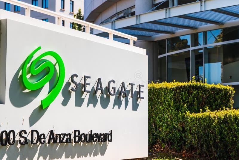 31 de julio de 2019 Cupertino/CA/los E.E.U.U. - jefaturas del PLC de la tecnología de Seagate en Silicon Valley; Seagate es un al imagen de archivo libre de regalías