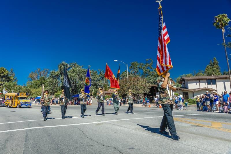 4 de julio de 2016 - los ciudadanos de Ojai California celebran Día de la Independencia - guardia de honor del desfile del comien fotos de archivo libres de regalías