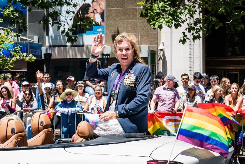 30 de junho de 2019 San Francisco/CA/EUA - Kristin Beck, um SELO anterior de US Navy do transgender, participando no SF Pride Par imagens de stock