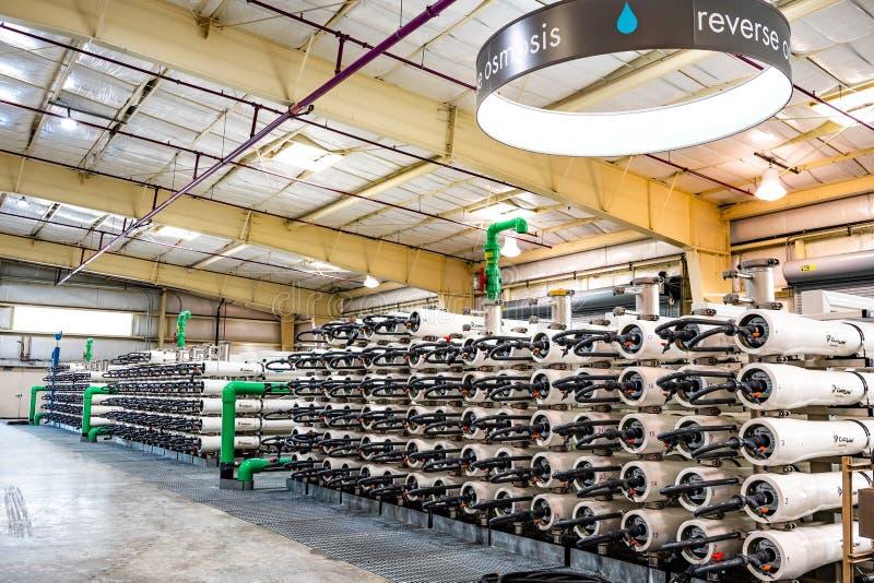 20 de junho de 2019 San Jose/CA/EUA - o equipamento da osmose reversa em Silicon Valley avançou o centro da purificação de água e imagem de stock royalty free