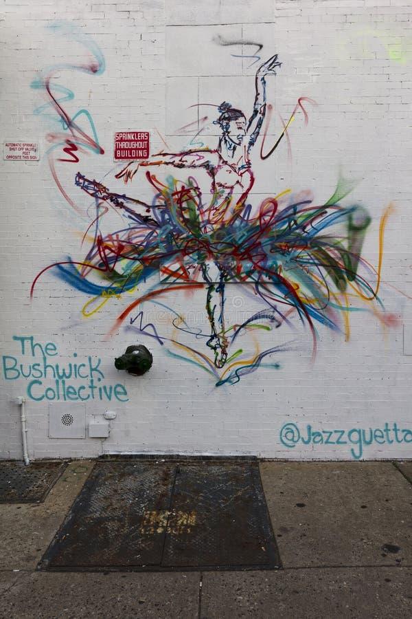 3 DE JUNIO DE 2018 - Nueva York, Nueva York - calle Art Gallery de la colectividad de Bushwick imagen de archivo