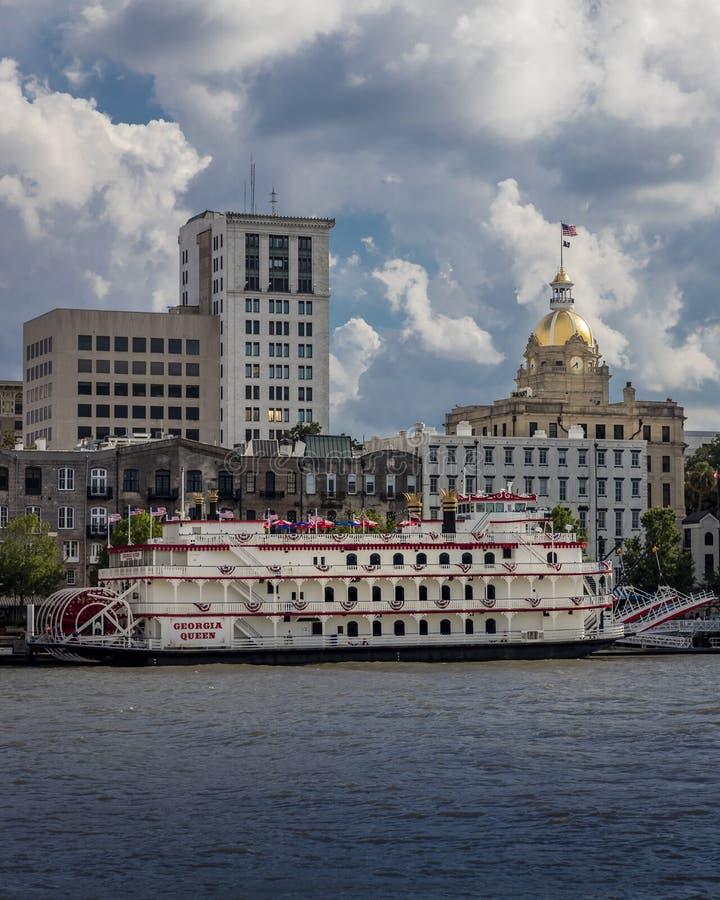 28 de junio de 2017 - SAVANNAH GEORGIA - Savannah Georgia escénica e histórica según lo visto en Savannah River Histórico, barca foto de archivo libre de regalías