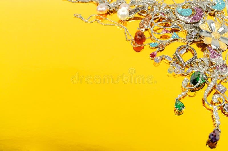 De juwelen van het platina met gemmen royalty-vrije stock foto's