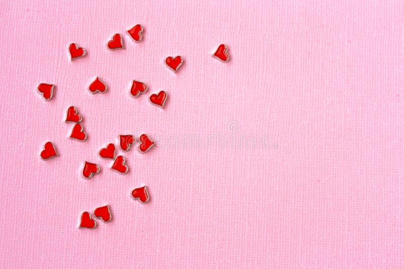 De kaart van de de Daggroet van Valentine ` s, roze document, kleine harten stock afbeelding