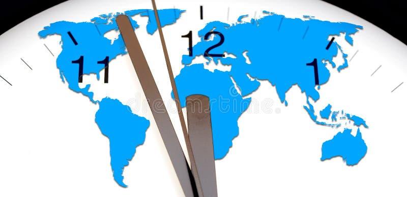De kaart van de wereld over muurklok stock foto's