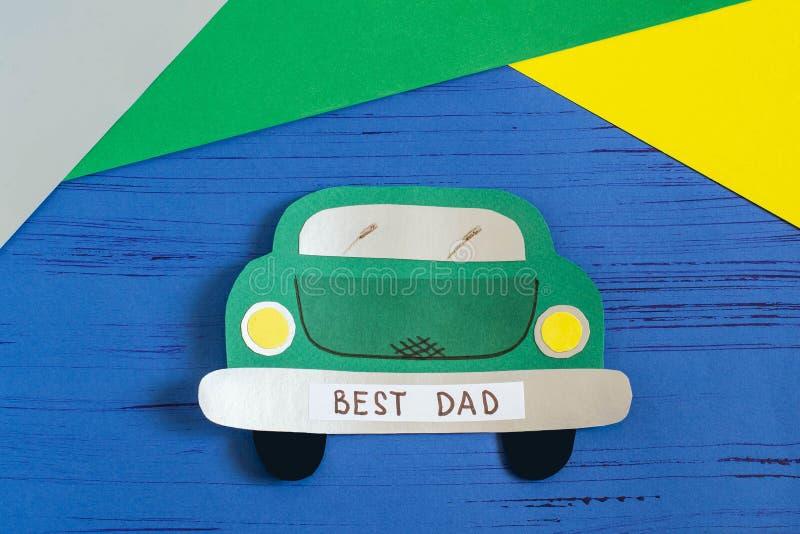 De kaart van de verwezenlijkingsgroet voor Vader` s Dag door kind Stap 10 stock afbeeldingen