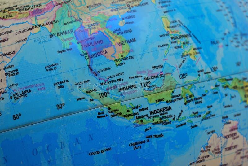 De kaart van Zuidoost-Azië op een bol stock foto