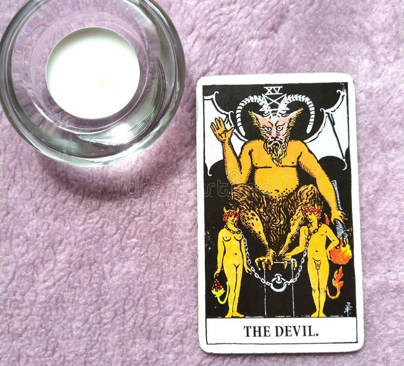 De de Kaartlijfeigenschap van het Duivelstarot, verleiding, knechting, materialisme, verslaving royalty-vrije stock afbeeldingen