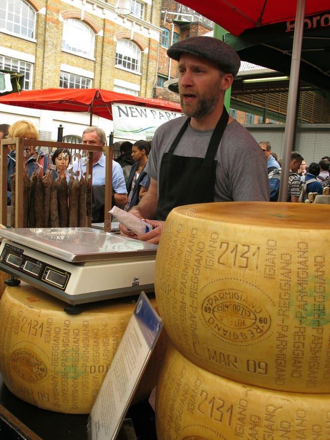 De kaas van de parmezaanse kaas voor verkoop stock foto