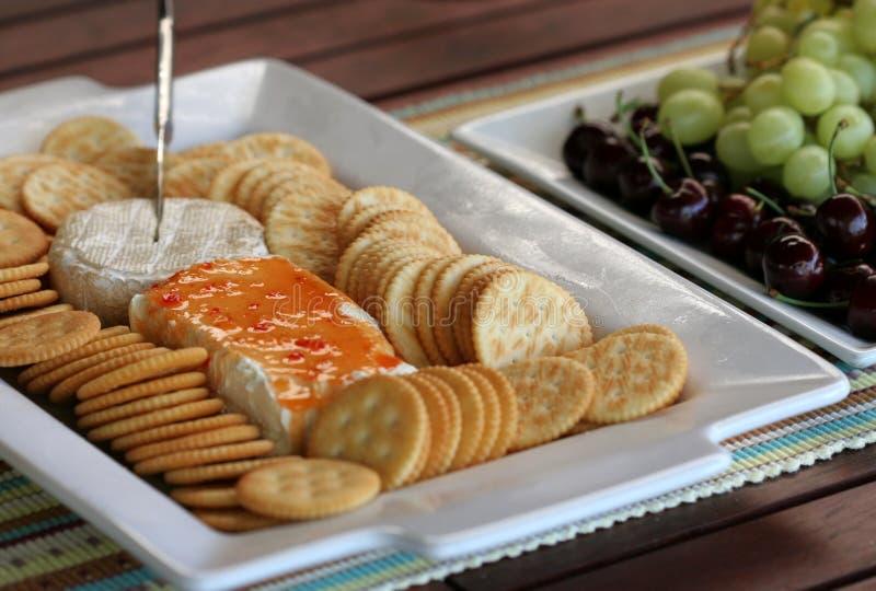 De Kaas van de partij en de Schotel van het Fruit royalty-vrije stock foto