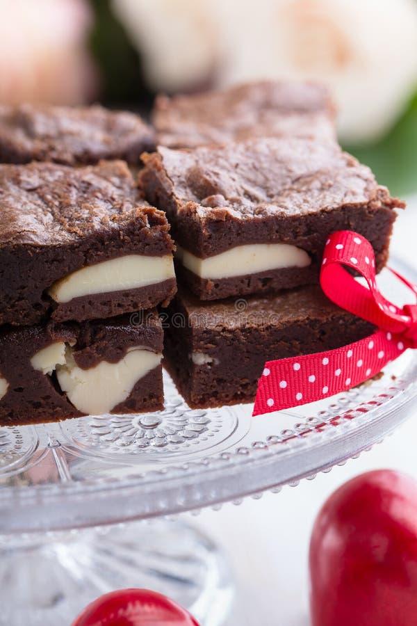 De kaastaart van de valentijnskaartendag brownies royalty-vrije stock foto's