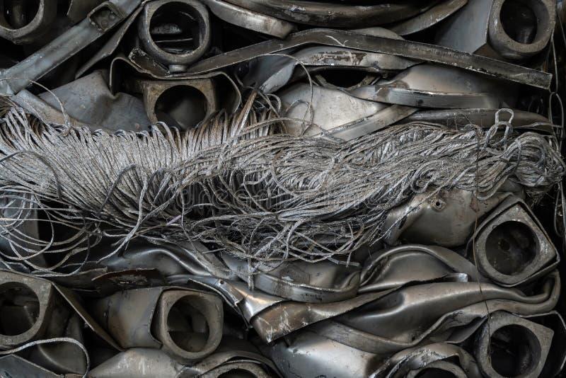 de kabel van het koord en het schroot van aluminium is gedrukt voor recycling royalty-vrije stock fotografie