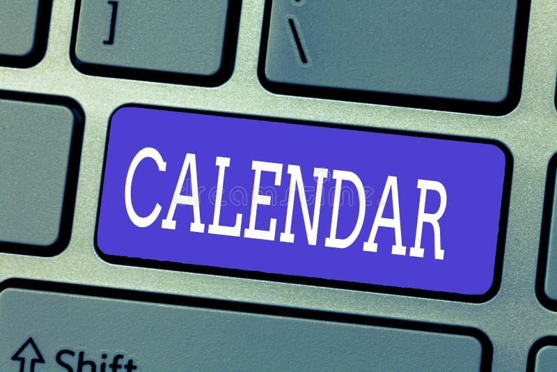 De Kalender van de handschrifttekst Concept die Pagina's betekenen die de maanden van dagenweken van bijzondere jaarherinnering t royalty-vrije stock foto's