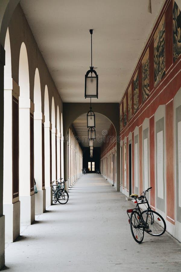 De kalme passage van München stock fotografie