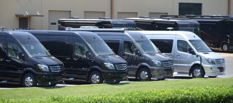 De Kampeerauto's van Mercedes Sprinter rv stock foto's