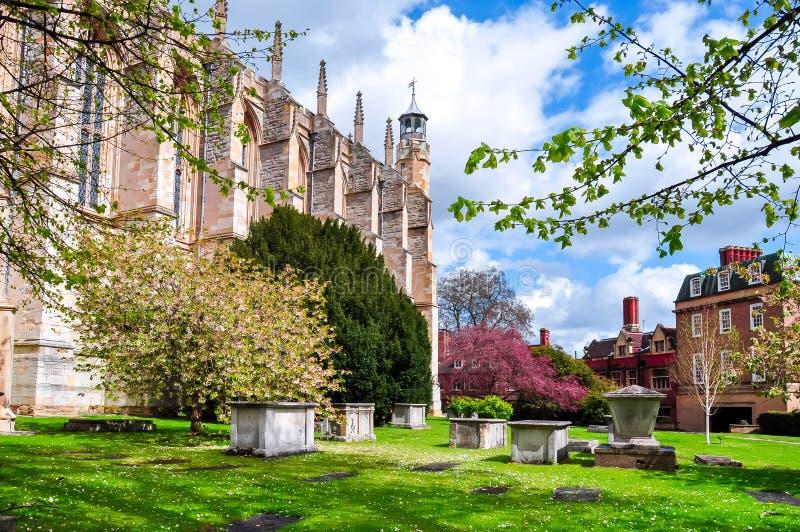 De Kapel en de binnenplaats van de Etonuniversiteit in de lente, het UK royalty-vrije stock foto's