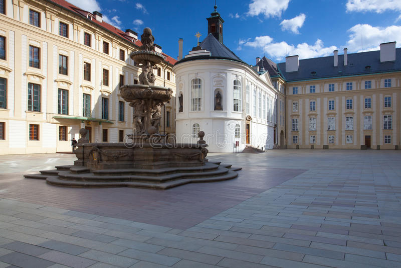 De Kapel van het Heilige Kruis op de Derde Binnenplaats in Pragu royalty-vrije stock foto